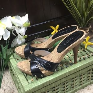 Guess Black and Tan Sandal Heels Size 7M